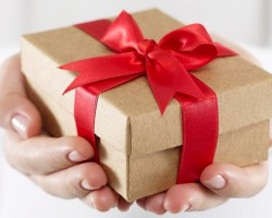 Как подарить девушке или парню виртуальный подарок?